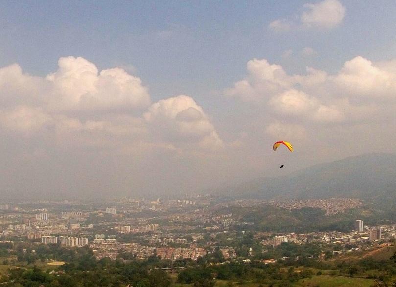 Beautiful flying at Bucaramanga