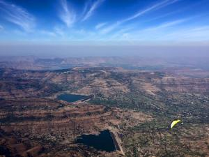 On glide back to Panchgani. Photo by Vistasp Kharas